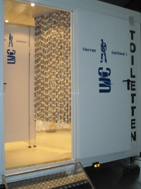 Herren-WC, Toilettenwagen Family (familienfreundlich!)