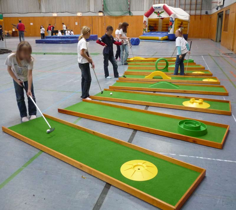 Minigolfbahn (Indoor/Outdoor)