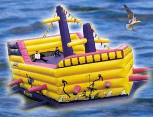 Piratenschiff-Abenteuerhüpfburg