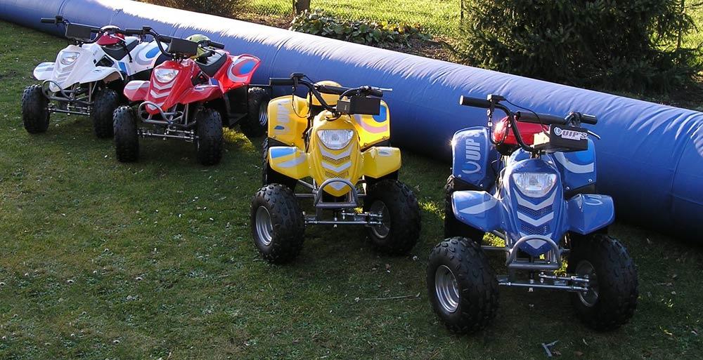 Kartbahn mit Elektro-Quads