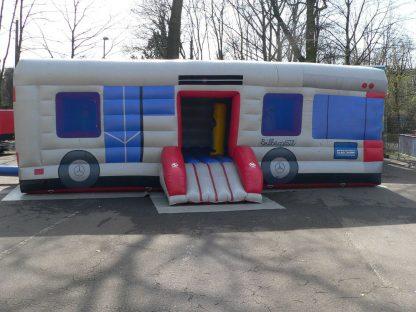 Bus-Hüpfburg Vorderseite