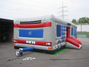 Bus-Hüpfburg Rückseite