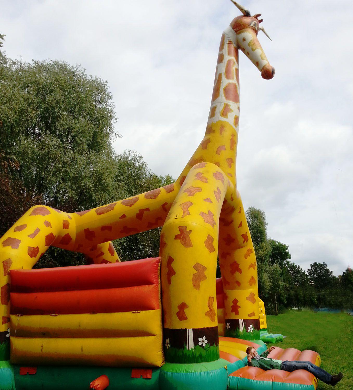 Hüpfburg Tiermotiv Giraffe